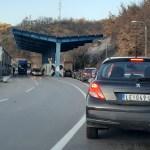 На Мердару чекање девет сати за излазак са Косова