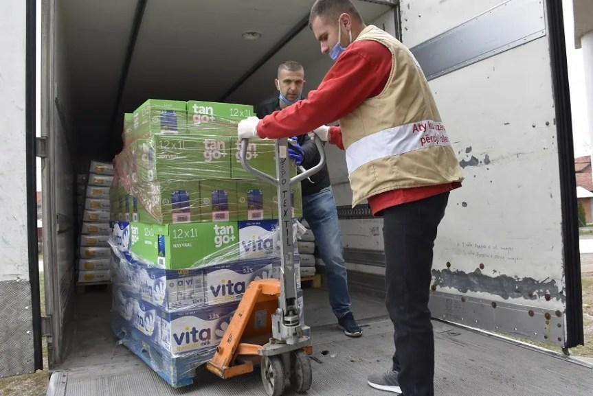 Кризни штаб и Општина Грачаница обезбедили брашно за социјално угрожене породице