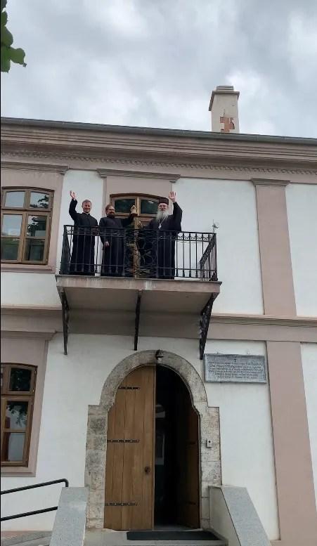 Звоно са балкона чика Симине зграде у Призрену огласило крај школске године за богословце матуранте