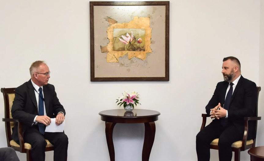 Заједничко саопштење за јавност Министарства за заједнице и повратак, УНХЦР и ОЕБС мисија на Косову