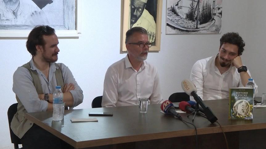 """Diskusija o srpskoj materijalnoj i nematerijalnoj kulturnoj baštini i """"Mitovi srpske istorije"""" u Srpskom kulturnom centru u Prištini"""