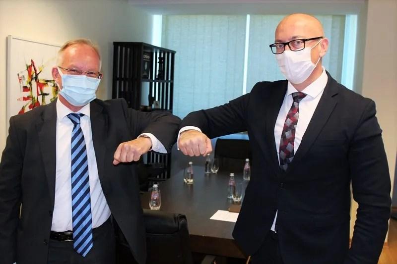 Заменик косовског премијера Горан Ракић са међународним званичницима о међусобној сарадњи