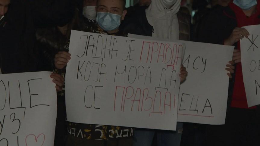 Родбина и средњошколци и даље протестују у Грачаници