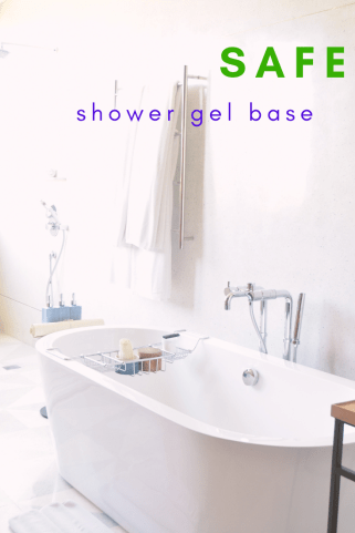 safe shower gel base #graceblossomsblog #youngliving #essentialoils #essentialrewards #shower #bath #selfcare #showergel #diy