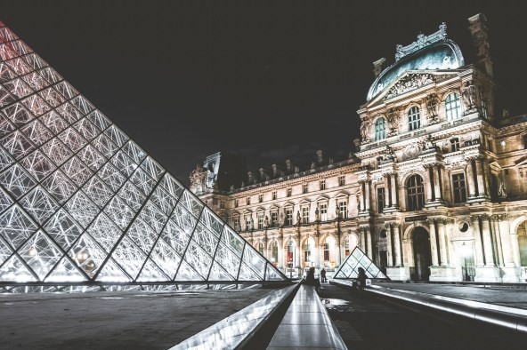 things-to-do-in-Paris-louvre