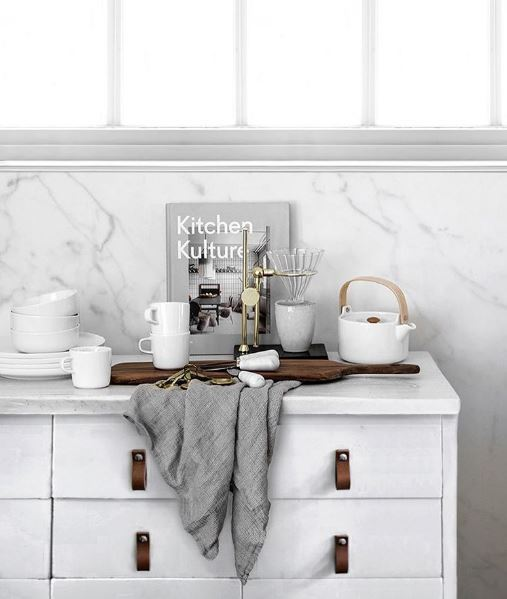 Minimalist Monochrome Interior Look - Kitchen