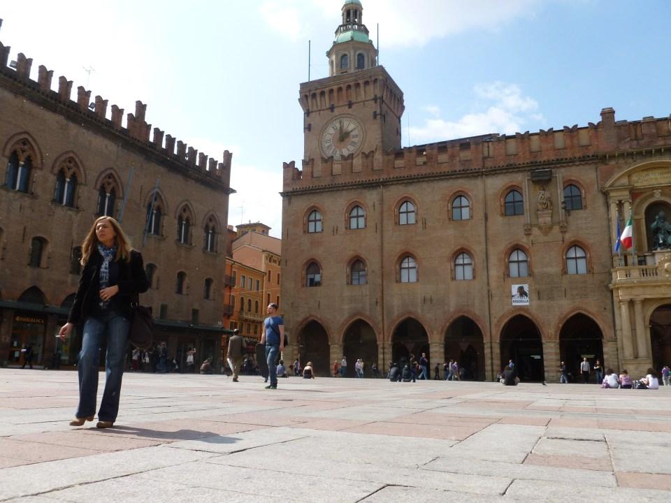 A day of sunshine in Piazza Maggiore, Bologna.