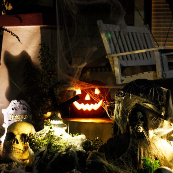 A Halloween walking tour through a San Diego historic neighborhood