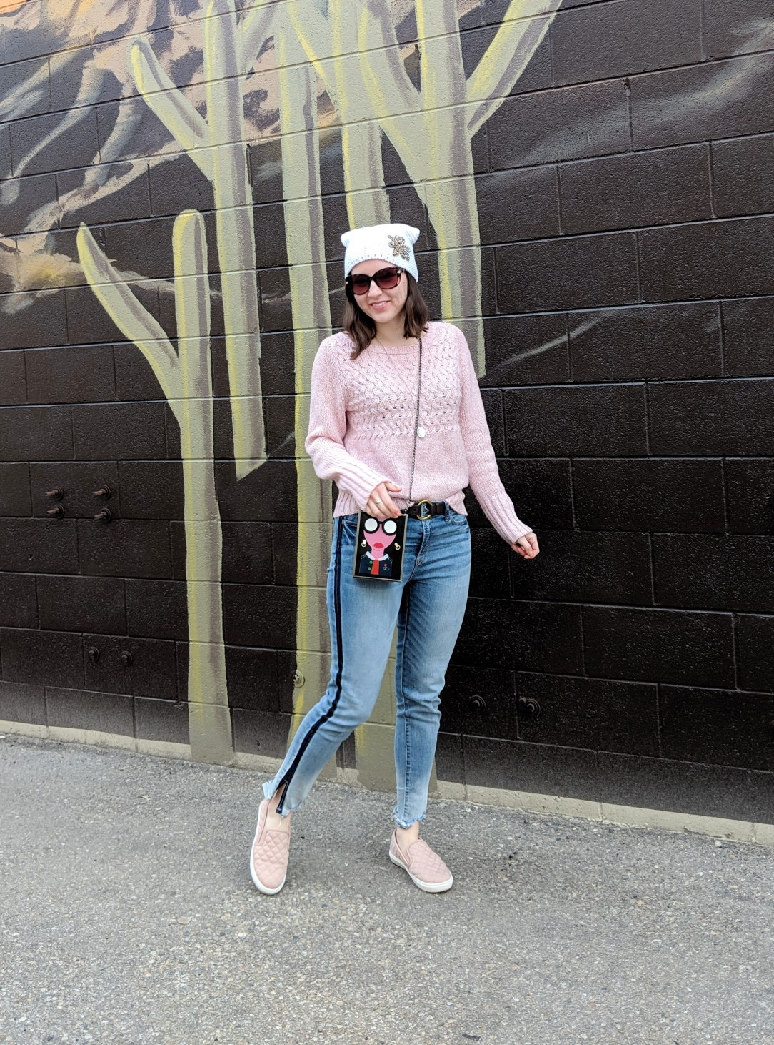 pink sweater trendy striped jeans