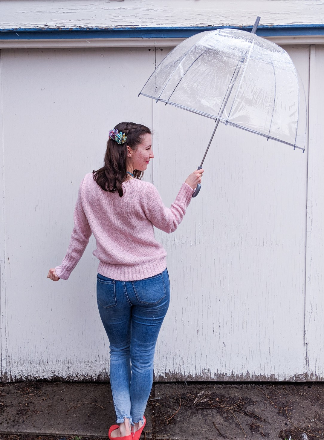 rainy day outfit, poetry, Haiku, skinny jeans, pink sweater