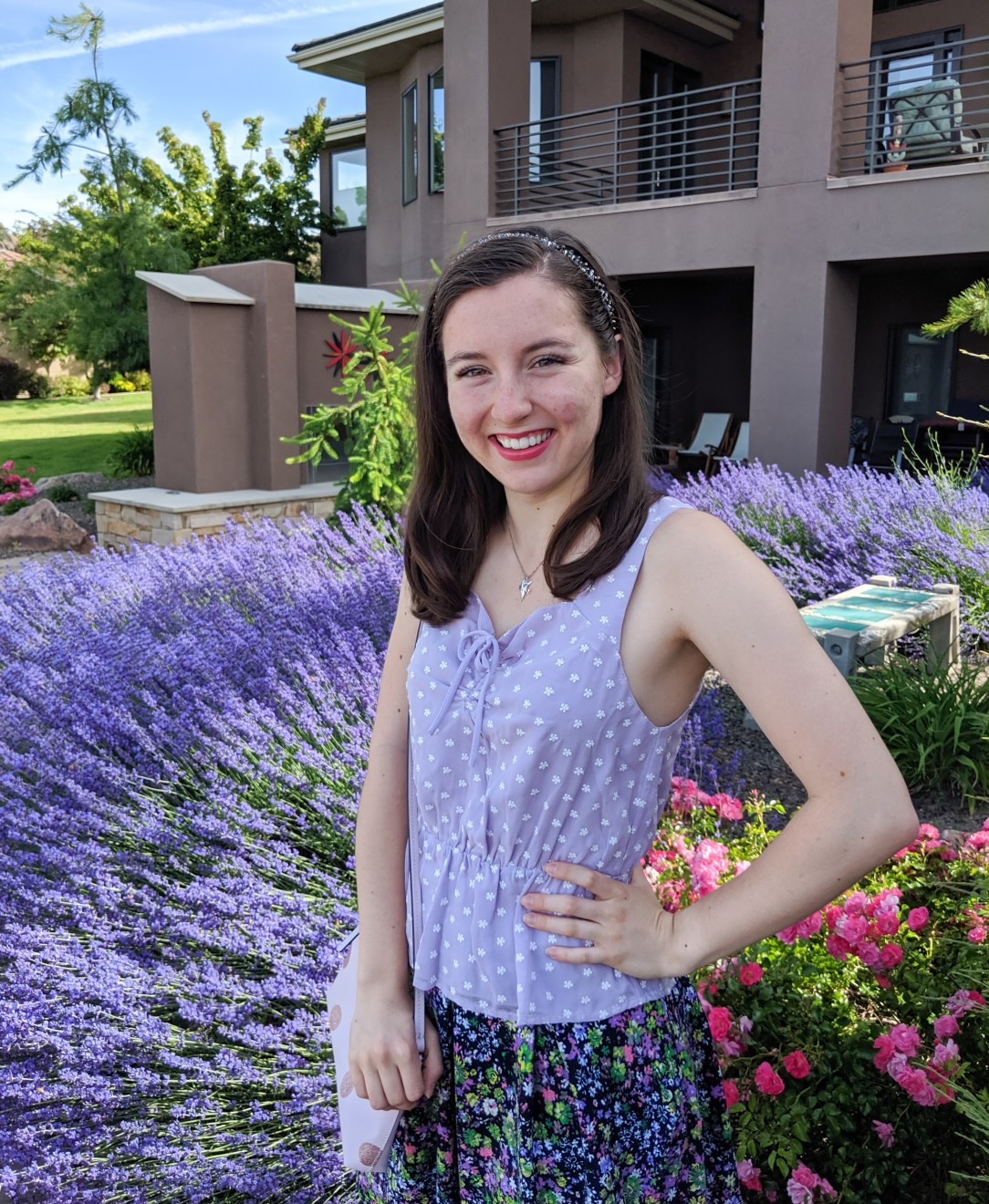Summer outfit, spring outfit, pink lipstick, purple top