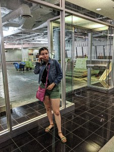 abandoned buildings, mall shopping, fashion blogger, online shopping