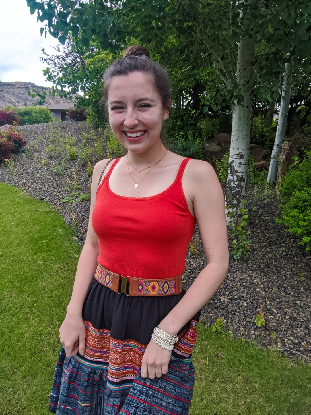 college-student-college-fashion-blogger-patterned-skirt-summer-outfit