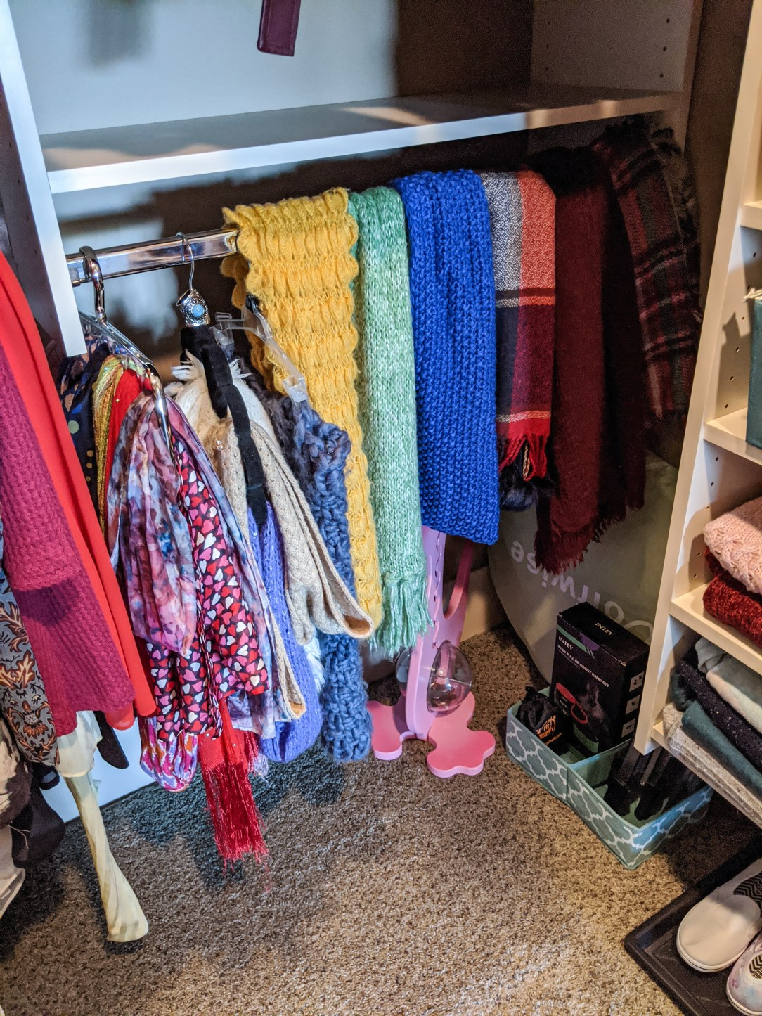 scarves-walk-in-closet-makeover
