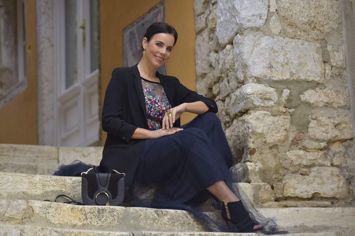 Style of the day: evening dress with a blazer