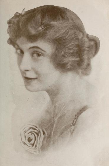 Jackie Saunders, 1916