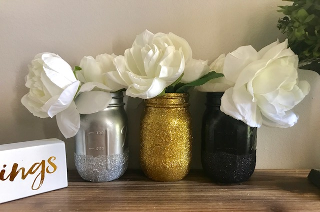 Easy DIY Glitter Mason Jars