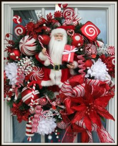 Christmas wreath with Santa perfect for your door!
