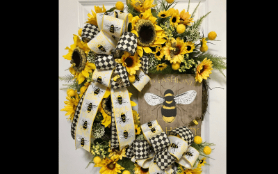 How to Make a Summer Bee Wreath