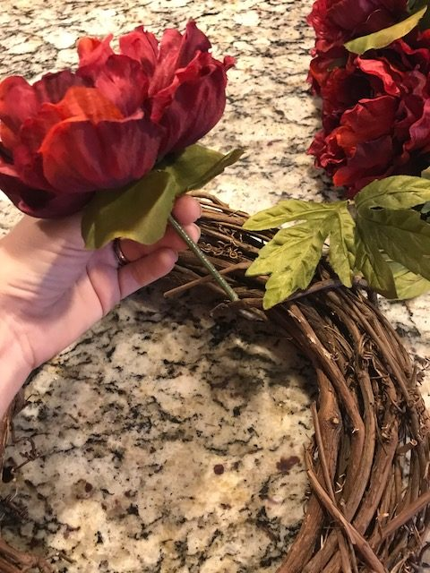 How to Make a Wreath for Doors