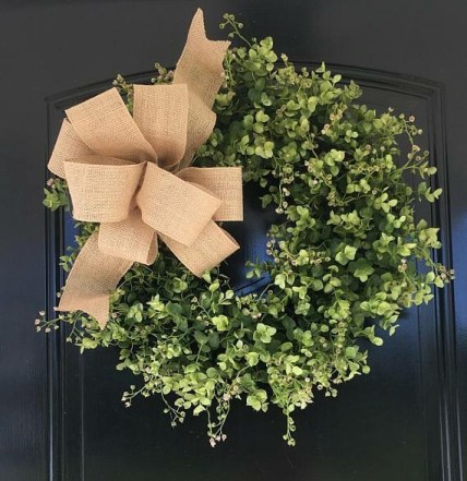 How to Make a DIY Eucalyptus Wreath - This easy greenery wreath is perfect to add farmhouse charm to your front door!