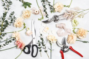 Learn how to Make Wreaths