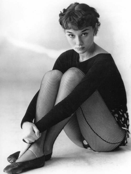 Audrey Hepburn - Chic, Style With An Elegant Fashion Flare  (5)