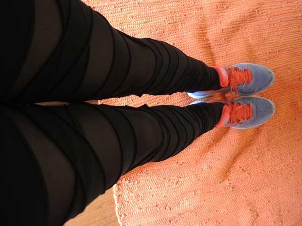 Calzedonia leggings and nike running shoes
