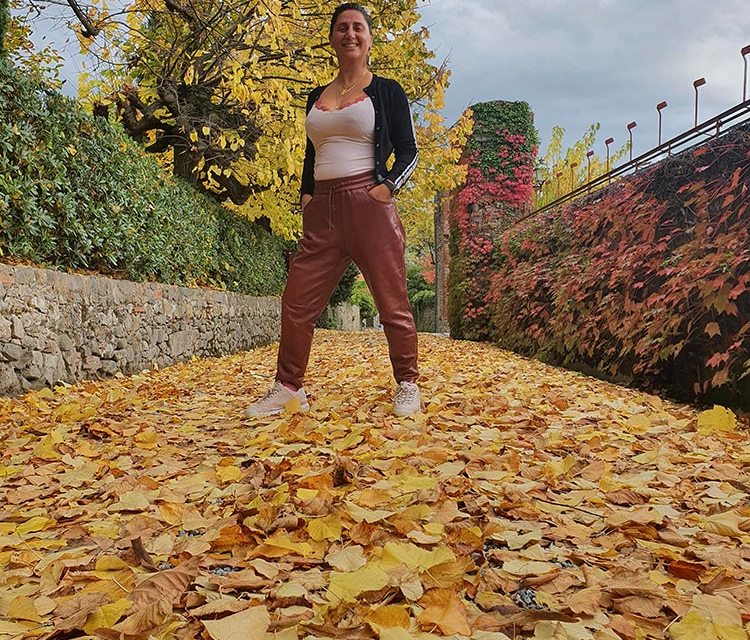 Leather-Tan-Trousers-Stay-Stylish-Comfortable-At-Home-Gracie-Opulanza-Fattoris-Mansi-Bernardini-2020-Autumn-3 (1)
