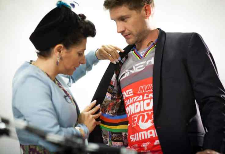 Gracie Opulanza and Greg Minnaar World Champion downhill mountain biker (1)