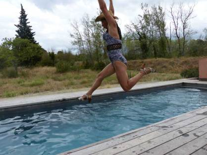 gracie-opulanza-jumping-in-the-pool