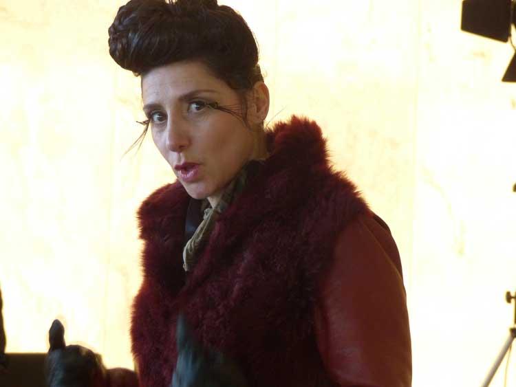 Gracie Opulanza peacock eyelashes fashion (2)