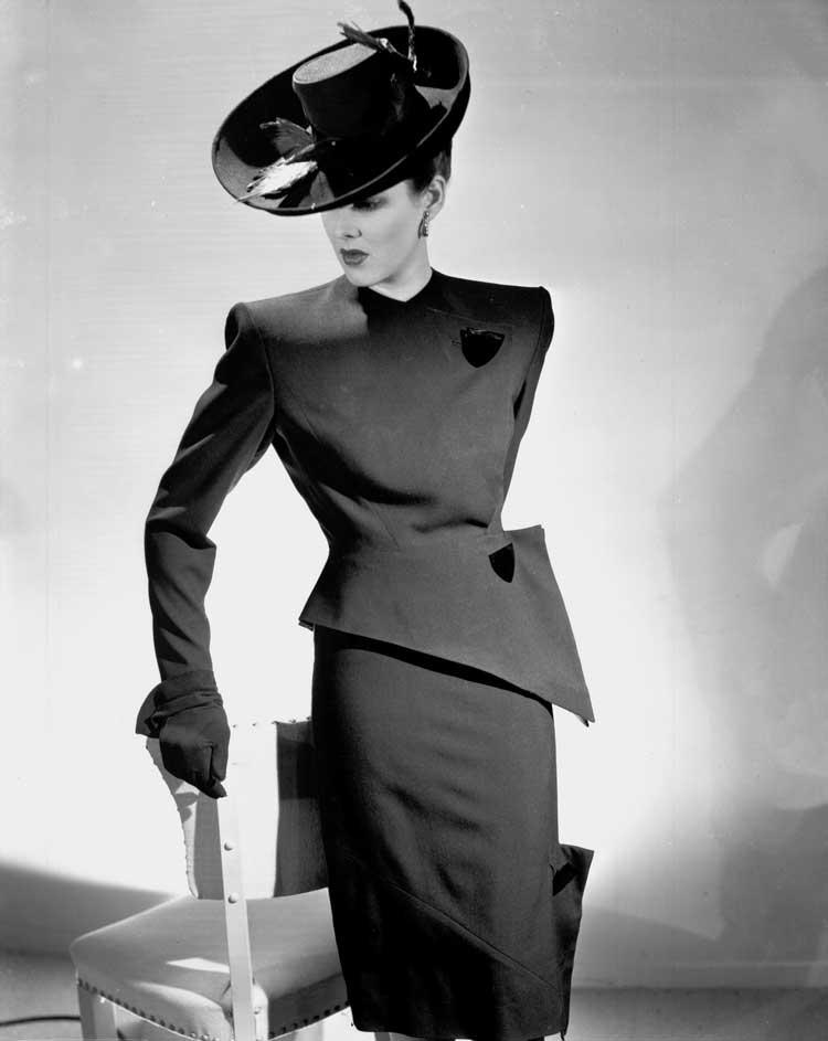 v-line-suit-1944