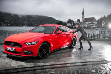 Ford Mustang GT V8 Gracie Opulanza fendi, leather dress 2015 (10)