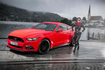 Ford Mustang GT V8 Gracie Opulanza fendi, leather dress 2015 (5)