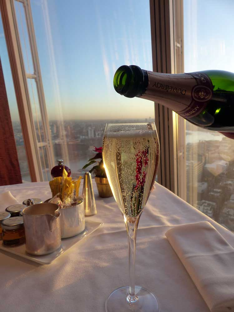 TING-Restaurant-The-Shard-London---Breakfast-Champagne