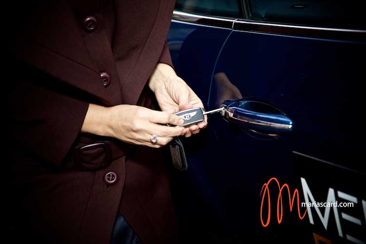 Gracie-Opulanza--Luxury-Week-London-MenStyleFashion-Maria-Scard-Bentley-Continental-GT-Speed-Convertible000066