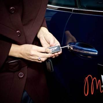 Gracie-Opulanza--Luxury-Week-London-MenStyleFashion-Maria-Scard-Bentley-Continental-GT-Speed-Convertible000066