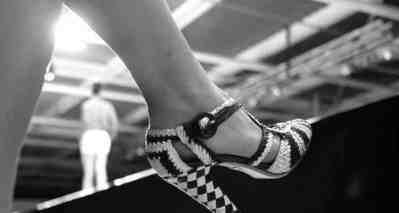 Gracie-Opulanza-PRADA-Shoes-taken-by-Sjaak-Hartog-1-750x400