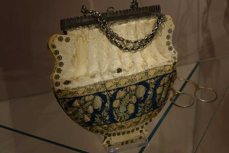 Vintage Purses And Handbags – History Of Weaponry Bags