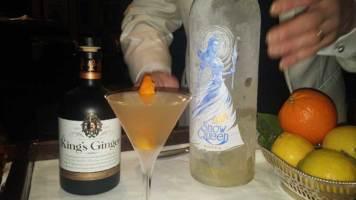 Dukes Hotel London Mayfair Gracie Opulanza Martini Bar (2)