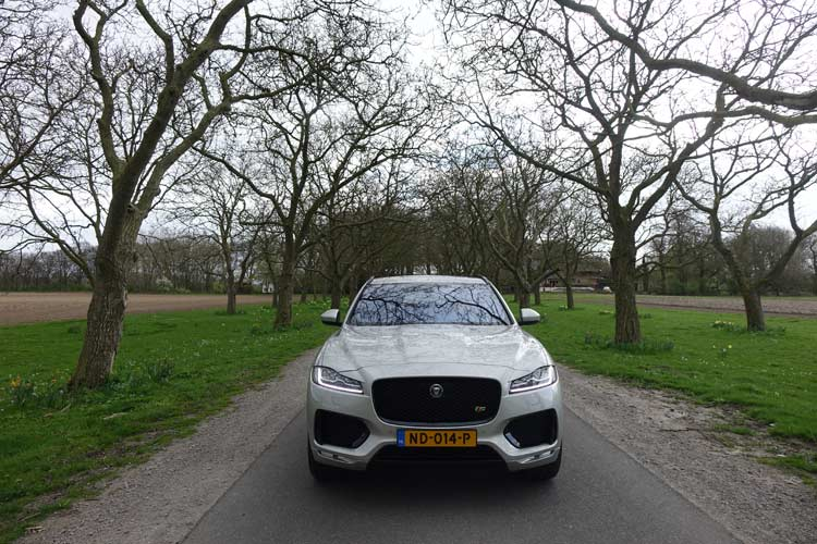 Jaguar F-PACE Model S - Luxury Family Car On 22 Inch Wheels