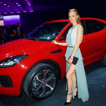 Mary-Charteris-poses-in-front-of-the-all-new-Jaguar-E-PACE - Copy