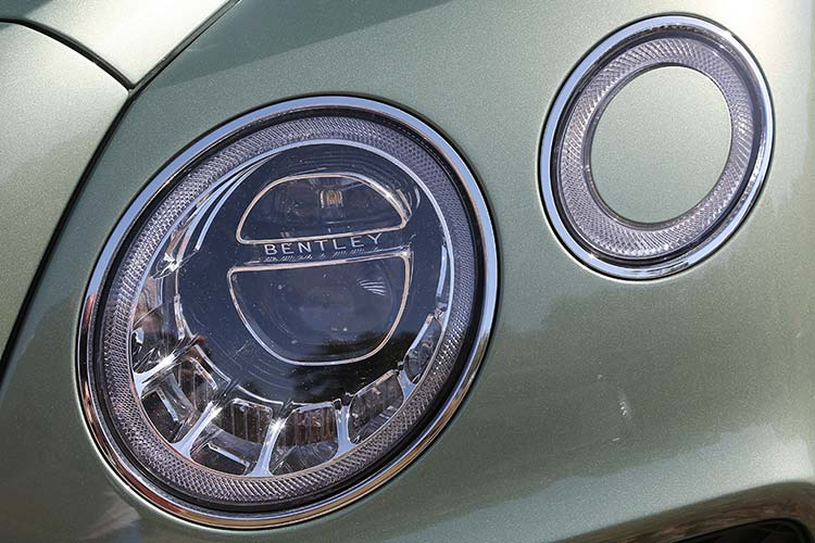 Bentley Bentayga headlights