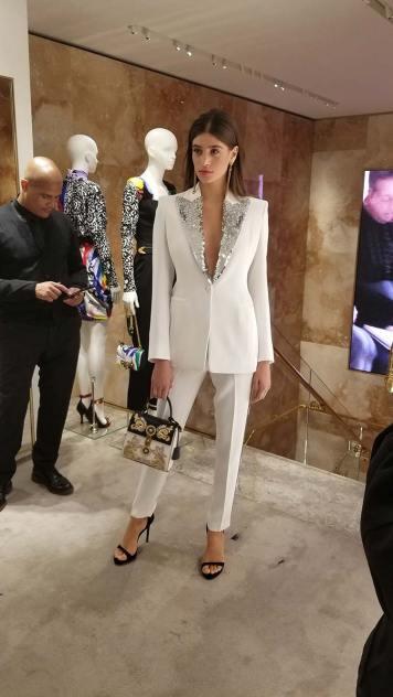 Versace 2018 Catwalk London Gracie Opulanza (17)