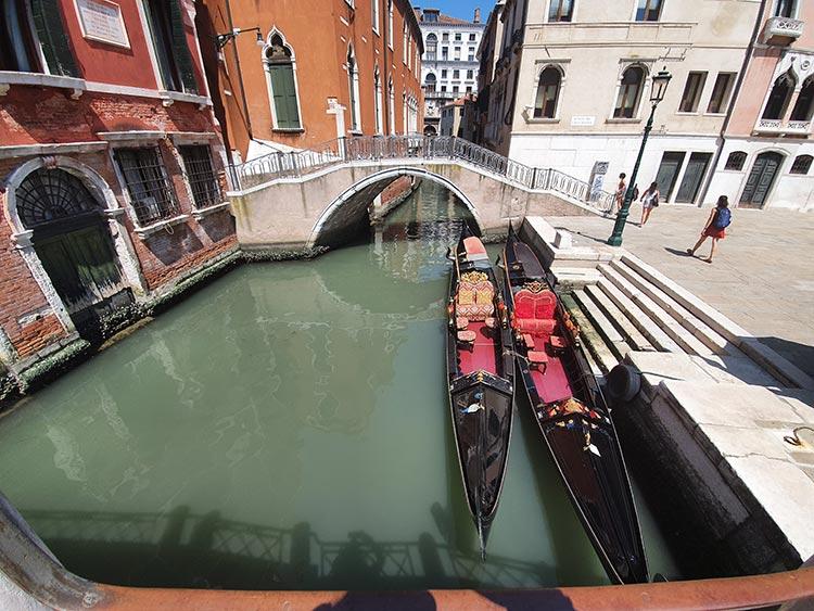 gondola Venice 2020 covid 19 condola italy summer gracie opulanza