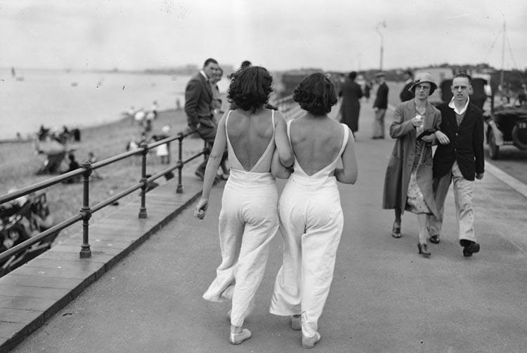 Pyjamas - What Is A Beach Pyjama