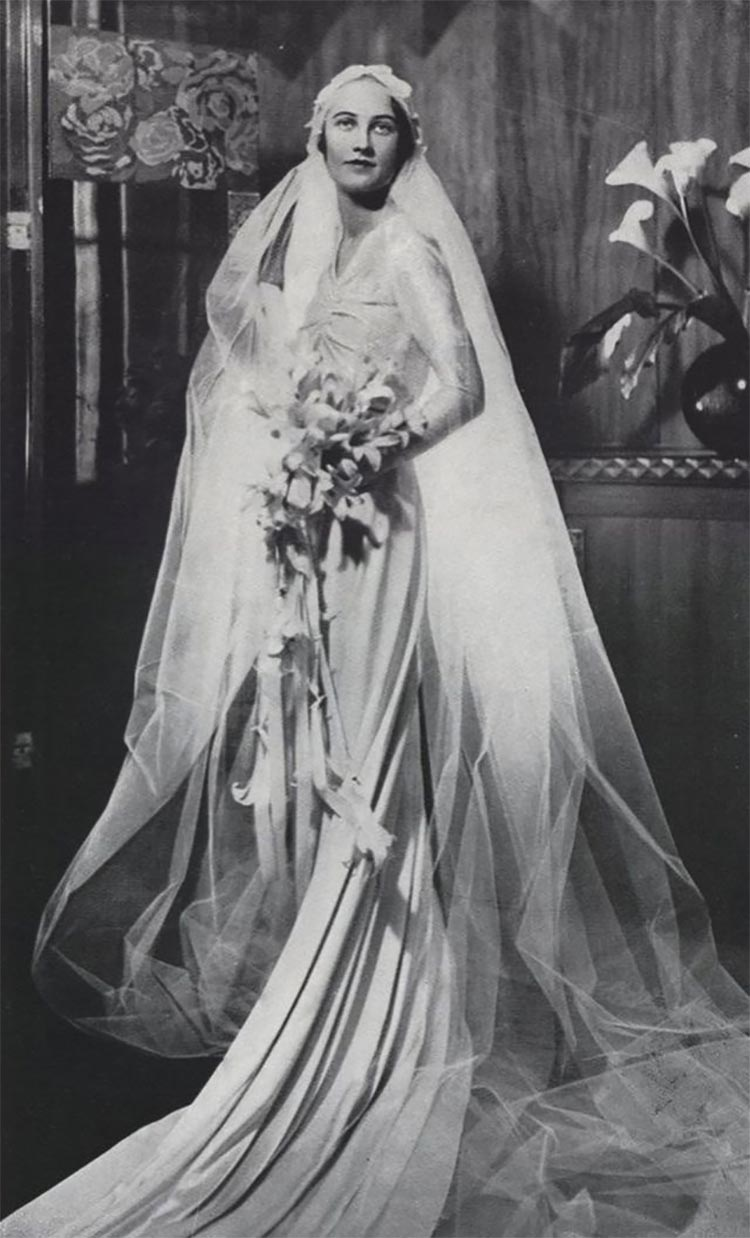 The Roaring 20s wedding dress