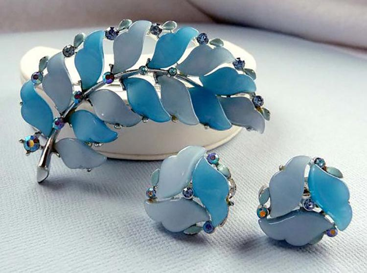 Vintage Blue Lucite Lisner Earrings and Brooch Set.