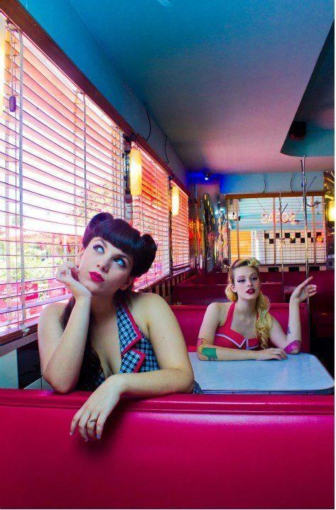 vintage diner girls